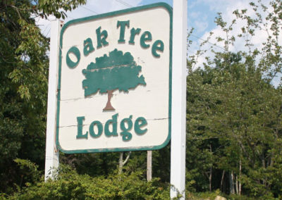 Oak Tree Lodge Road Sign